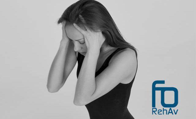 La fisioterapia no provoca dolor, las molestias que a veces sufres en la clínica de fisioterapia durante los tratamientos vienen generados por la misma patología de la que te quieres curar. Y es que el dolor no cura...
